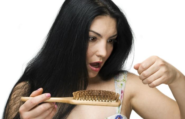 hair-loss-in-brush-700x450